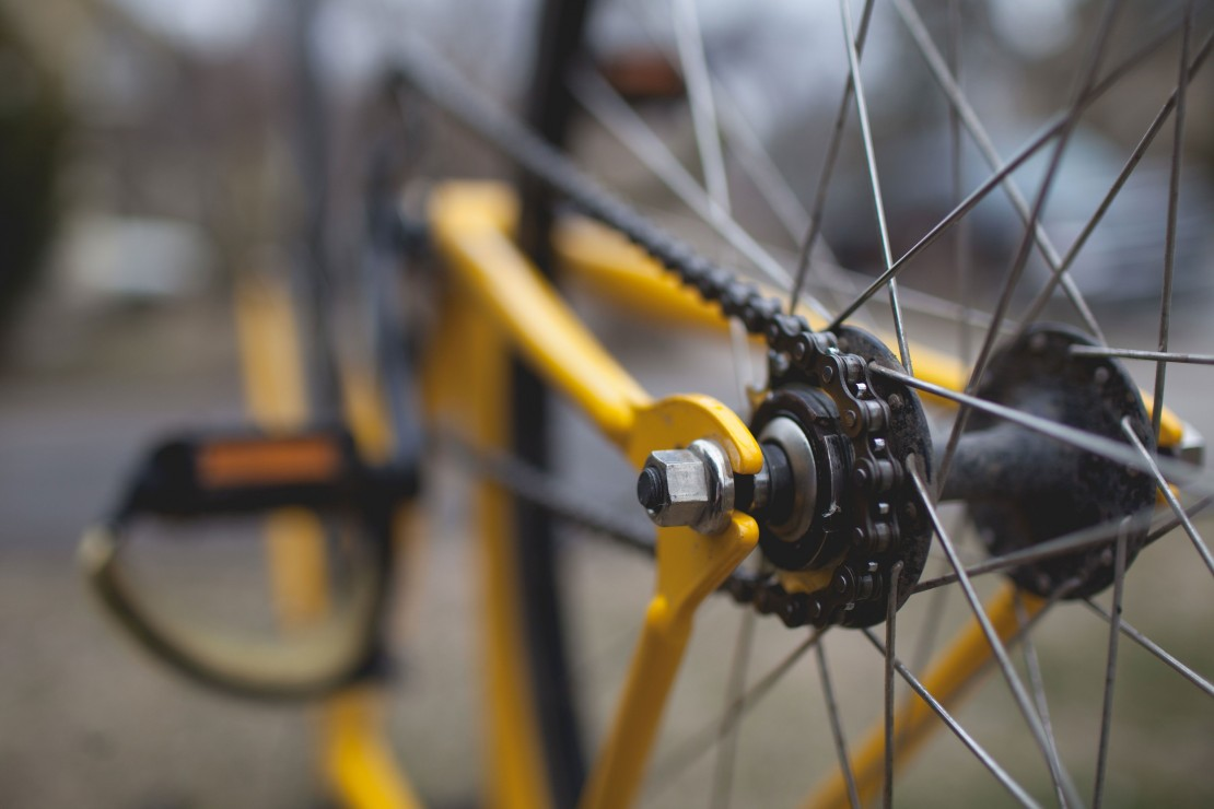 Without a standardized certification process for bike mechanics, some bike shops rely on third-party education tools. Stock image via pexels.com