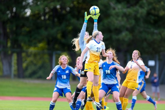 The Vikes women's soccer team endured a disappointing defeat against UBC on Sept. 5 Photo via APShutter.com.